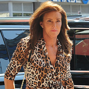jenner23 Caitlyn Jenner Apologises For Her Man In A Dress Comments