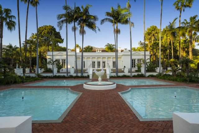 scarfacehouse1 640x426 How Is Bruce Willis' House On Sale For $12.9M When It Looks Like This?