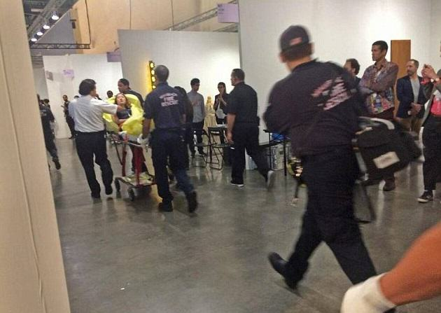 Woman Stabbed At Art Exhibit, Witnesses Think Its Performance Art stabbing 4