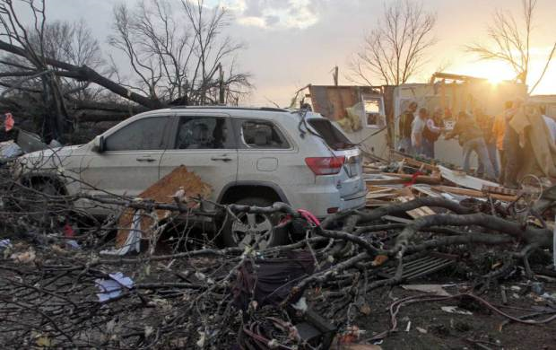 torn1 Tornadoes Cause Havoc In USA, Kill At Least 14 People