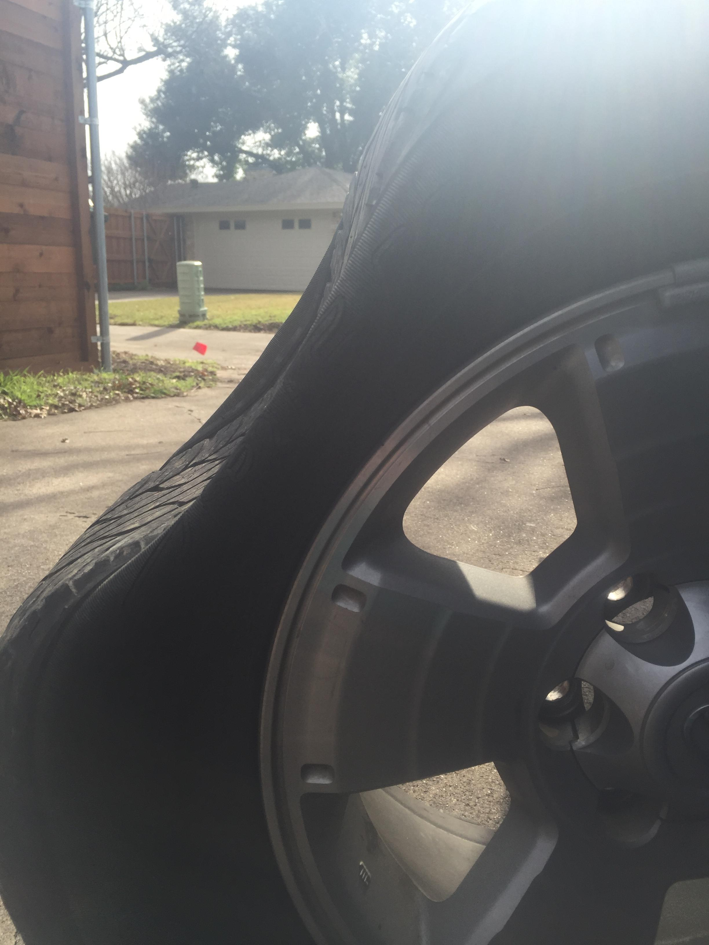 Guy Gets Flat Tire, Takes Opportunity To Troll The Sh*t Out Of His Mates 4