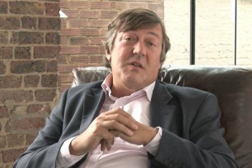Stephen Fry Teaches Tourists About British Etiquette In Hilarious Video Stephen Fry