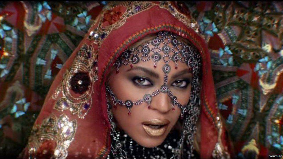beyonce1 Coldplay And Beyoncé Cause Twitter Storm With India Themed Video