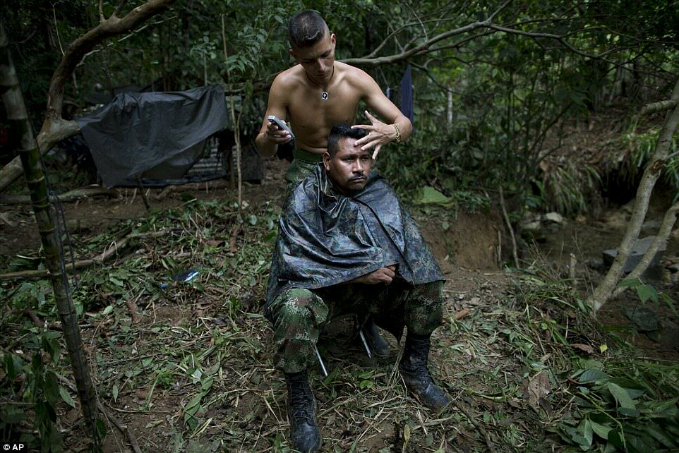 These Incredible Rare Photos Show Life Inside A FARC Jungle Camp farc10