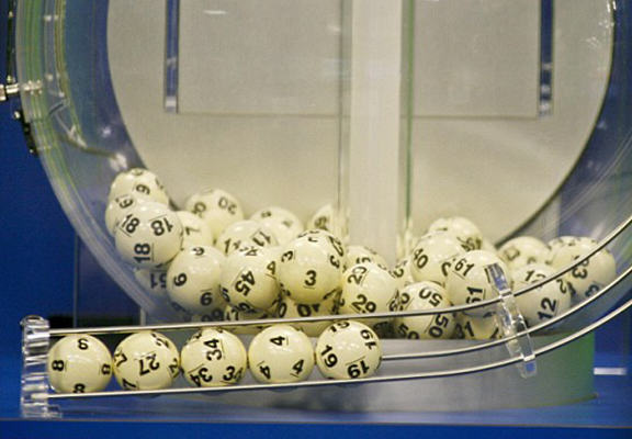 lottery winner WEB 2 Syrian Refugee Wins Massive Jackpot On The French Lottery