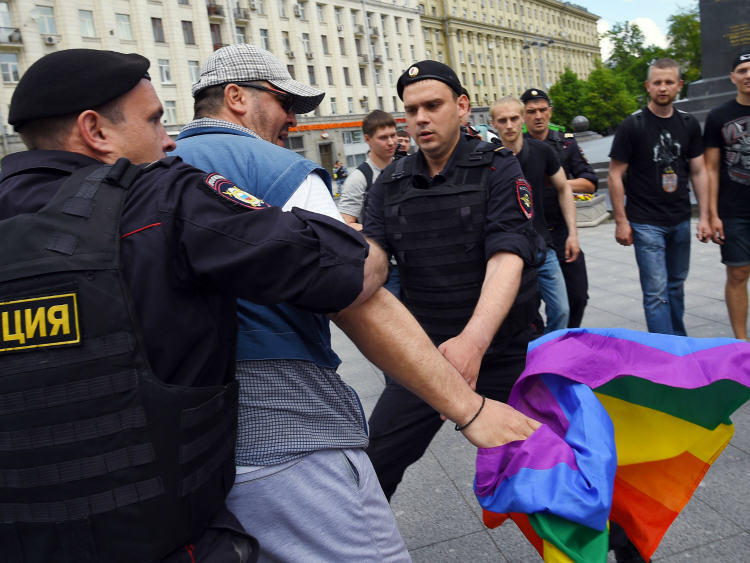 police russia riot Russia To Vote On Banning Gay People From Kissing In Public
