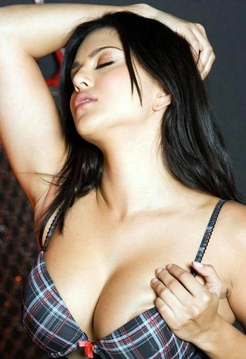 pornstar sunny leone unseen hot photos 2 650 1 This City Watched A Lot Of Of Porn During Snowzilla