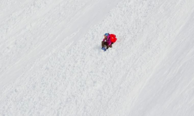 skier1 Horrifying Moment Champion Skier Plummets 1000Ft Down Mountain
