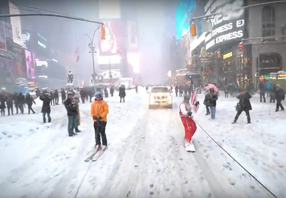 These Guys Nailed Blizzard 2016 By Snowboarding Through New York City snowboard nyc WEB