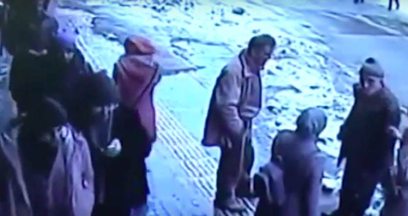 turkey5 Shocking Footage Shows Huge Chunks Of Snow And Ice Falling On Pedestrians