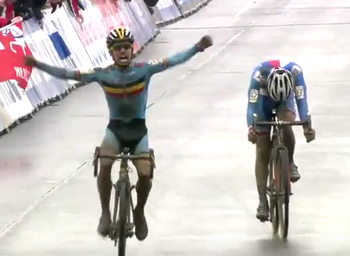 Screen Shot 2016 02 01 at 16.40.39 Cyclist Celebrates Victory One Lap Too Early, Loses Race