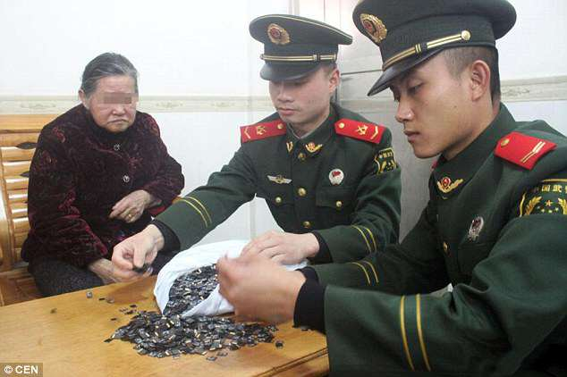 31B3B9F800000578 3469636 image a 17 1456761896136 1 Man Caught Smuggling A Crap Load Of Memory Cards Into China