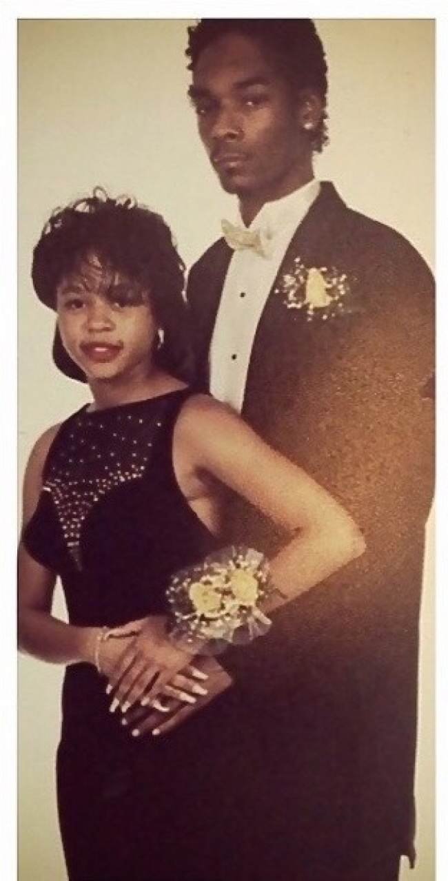 932855 650 1459255594 1413503375009 wps 15 25 Years strong2 These Awkward Celebrity Prom Photos Are Amazing