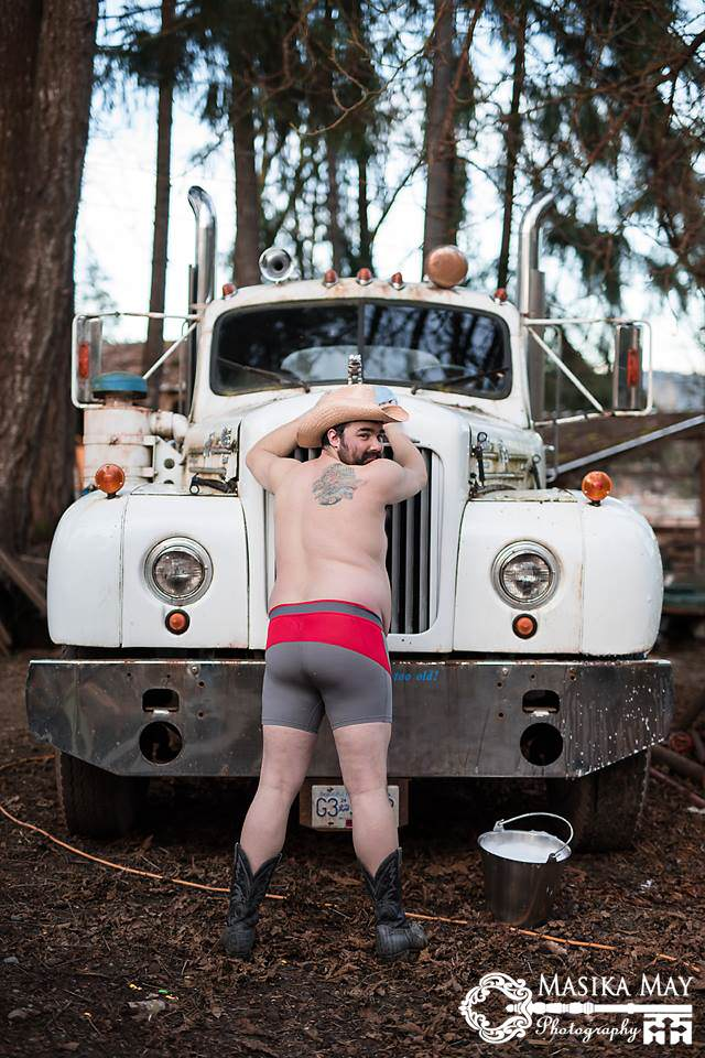 dude7 These Dudeoir Photos Brilliantly Challenge Gender Stereotypes