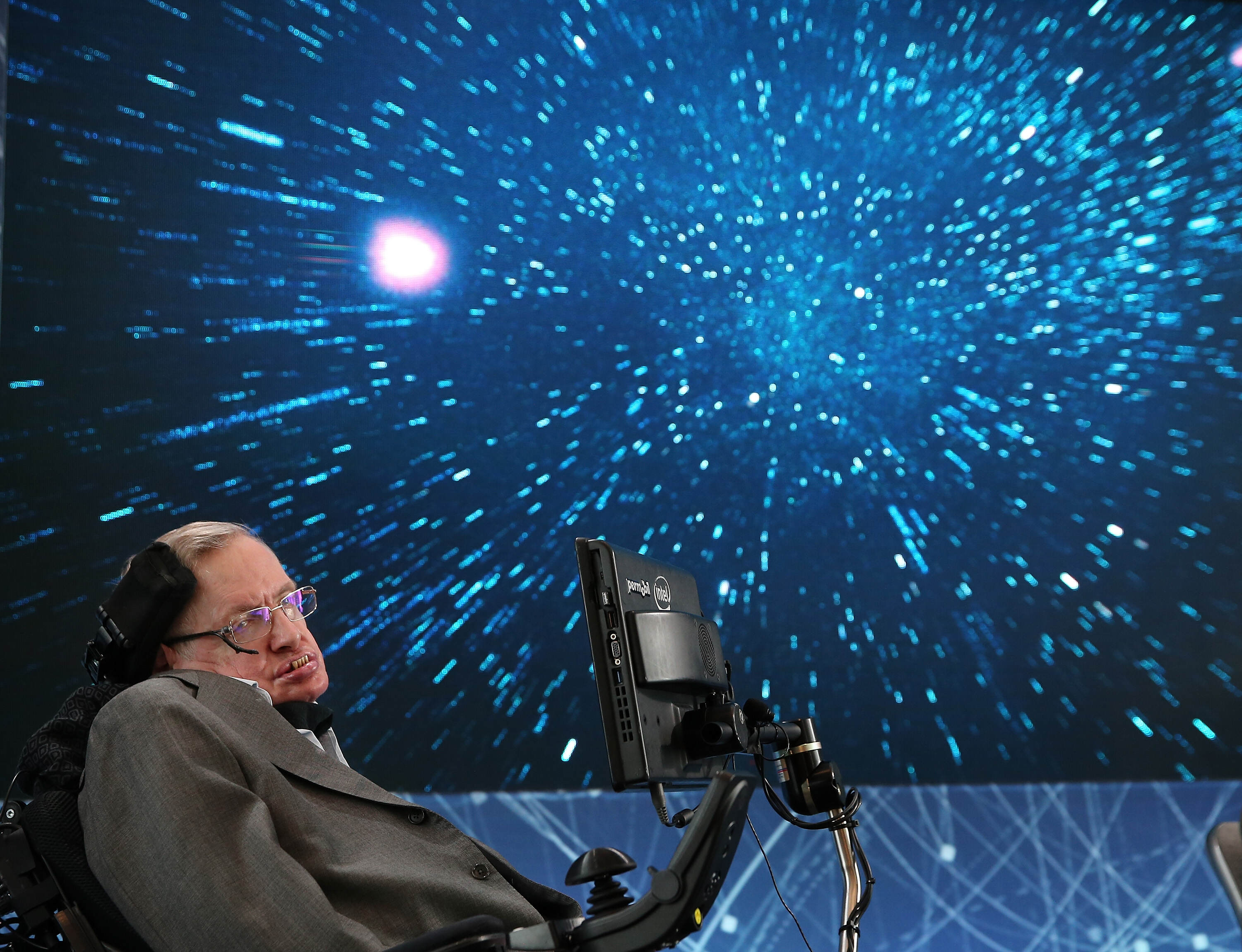 GettyImages 520676582 Stephen Hawking And Mark Zuckerberg Team Up To Find Aliens