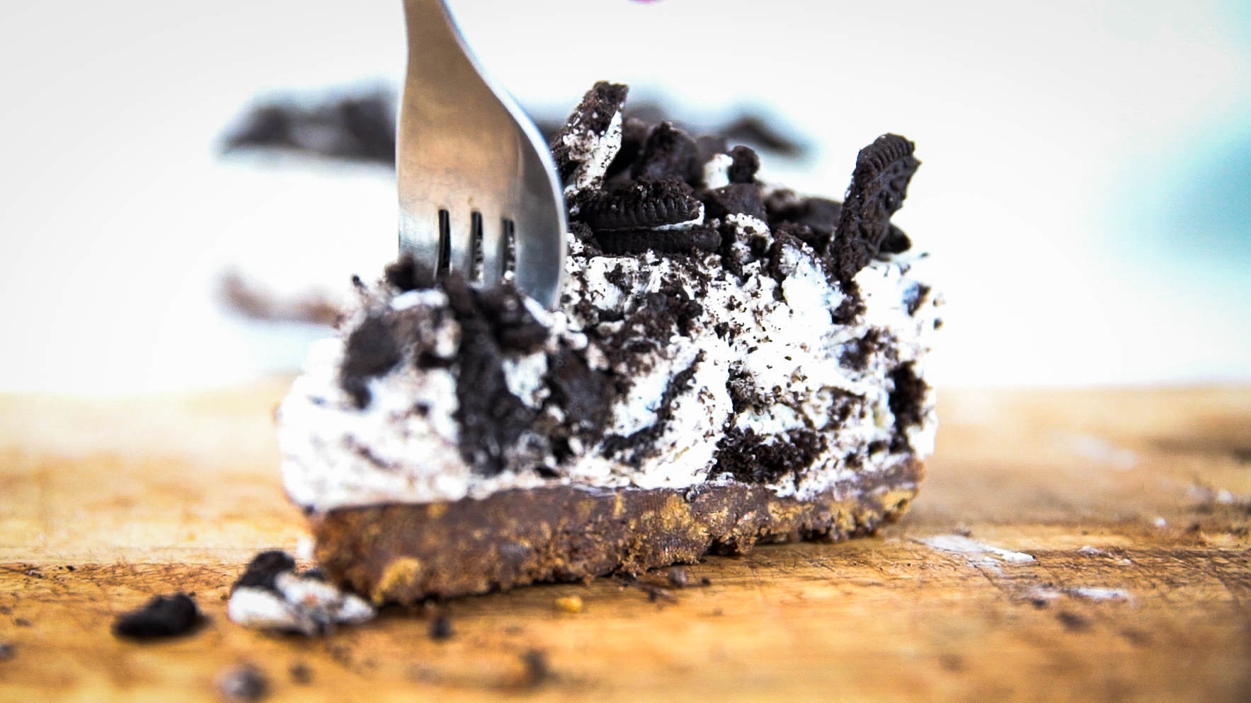 Heres How You Make An Oreo Cheesecake MAH03297.MP4.00 00 01 17.Still001