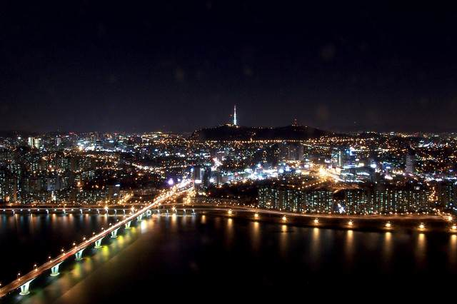 Seoul at night from 63 building 640x426 These North Korean Defectors Actually Regret Leaving