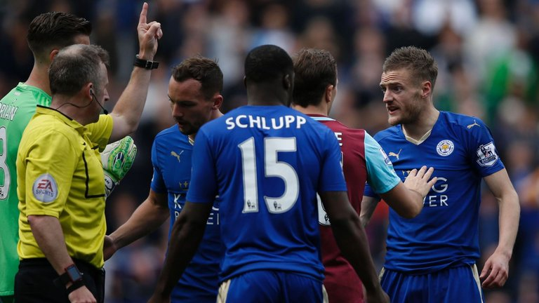 Vardy Red Card Five Things The Premier League Taught Us This Weekend