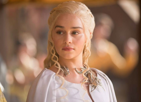 Emilia Clarke Wants More Nudity In Game Of Thrones, Apparently emilia game of thrones