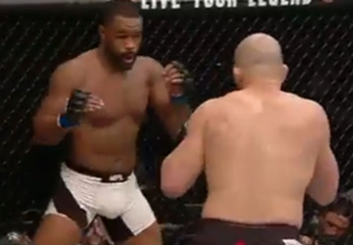 evans1 1 Rashad Evans At A Low Following Embarrassing First Round Knockout