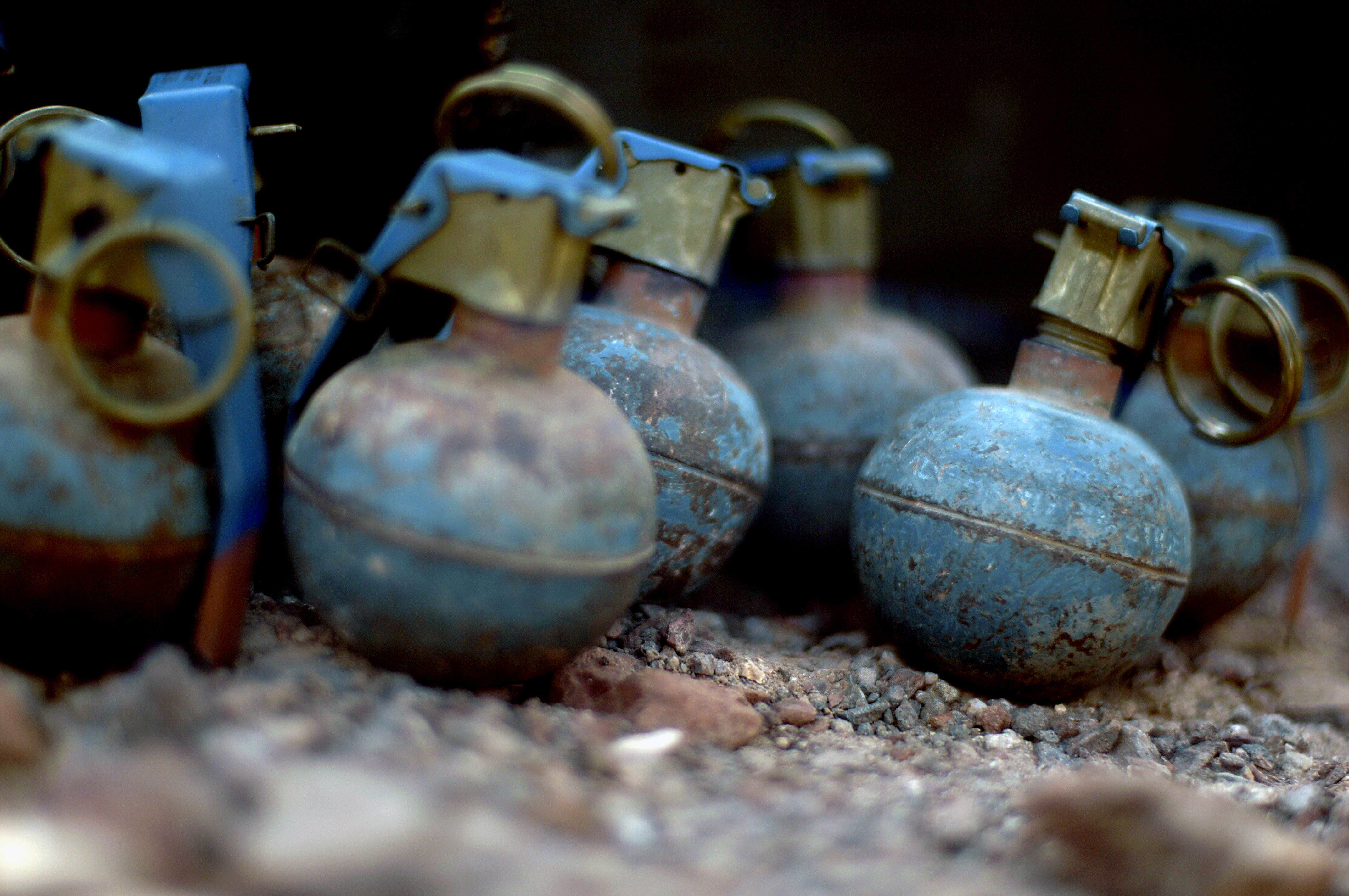 grenade1 Judge Asks Policeman How Grenades Work, He Takes It Far Too Literally