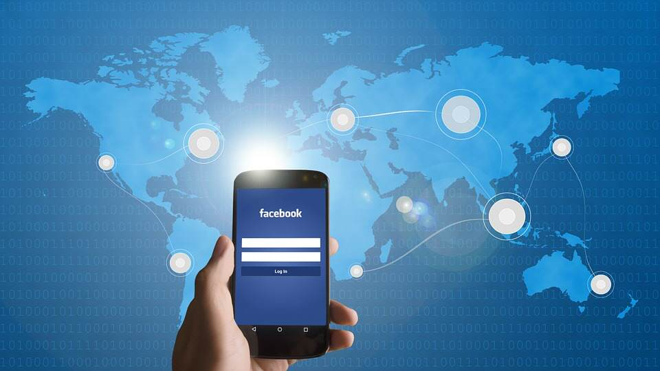 Facebook Could Be Changing The Way People Access Their Site smartphone 586903 960 720