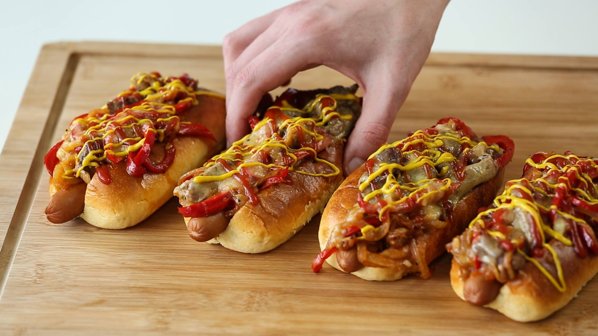 13287924 10154124017099361 679455497 o Heres How You Make Philly Cheese Steak Dogs