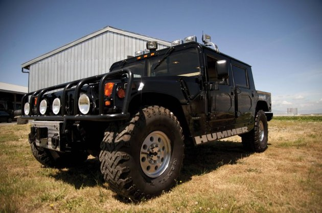225f4b5757273fb38479d9ba82a71deb Tupacs Hummer Is Being Auctioned For Ridiculous Money
