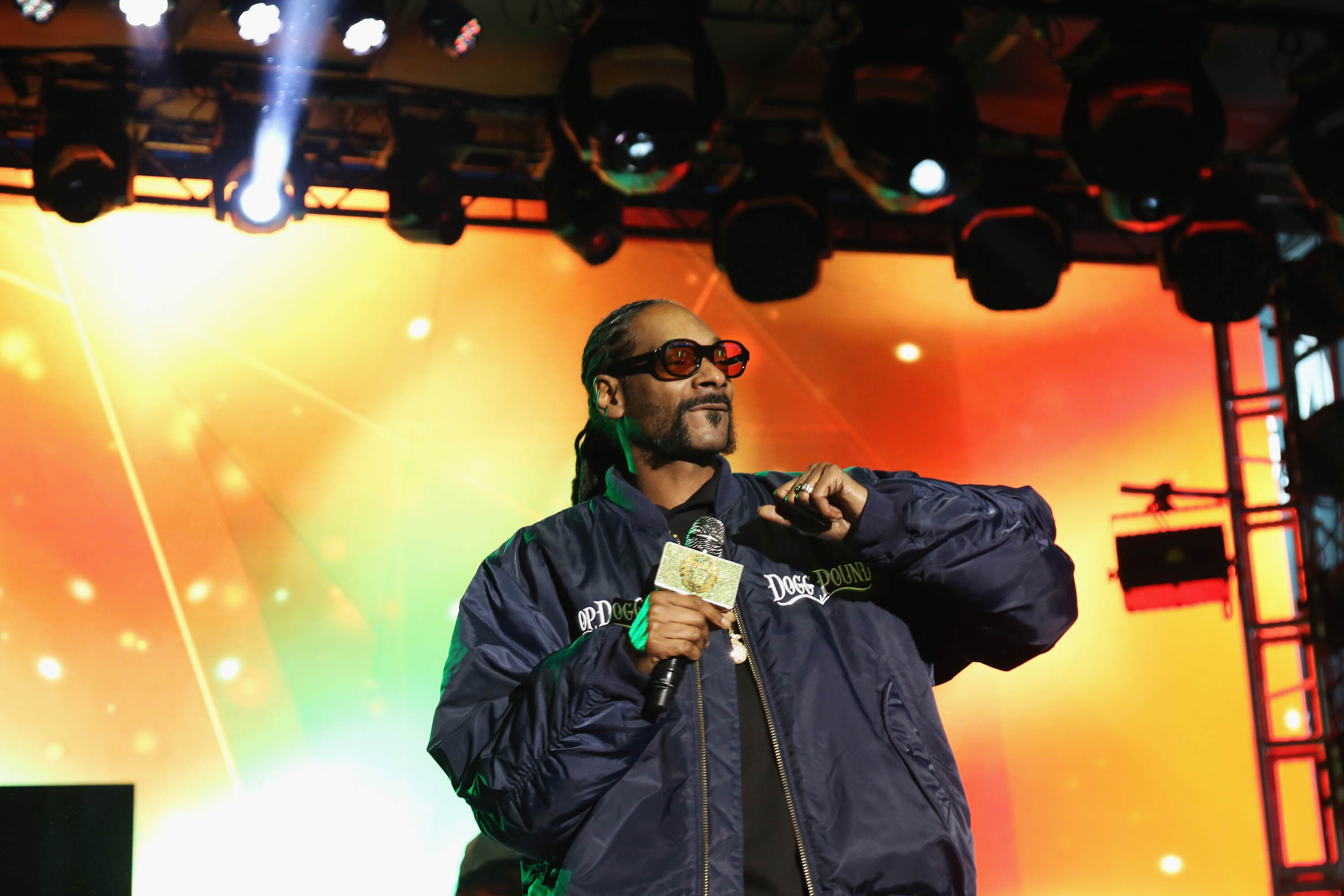 GettyImages 527861276 Snoop Dogg Has Some Interesting Thoughts On Death And The Afterlife