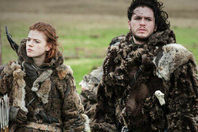 Ygritte and Jon Bear and Maiden Fair 640x426 Kit Harington Talks About Meeting His Girlfriend On Game Of Thrones