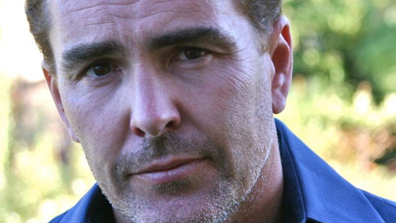 nolan north blue 1 Uncharted 4s Nathan Drake Voice Actor On Role Of A Lifetime