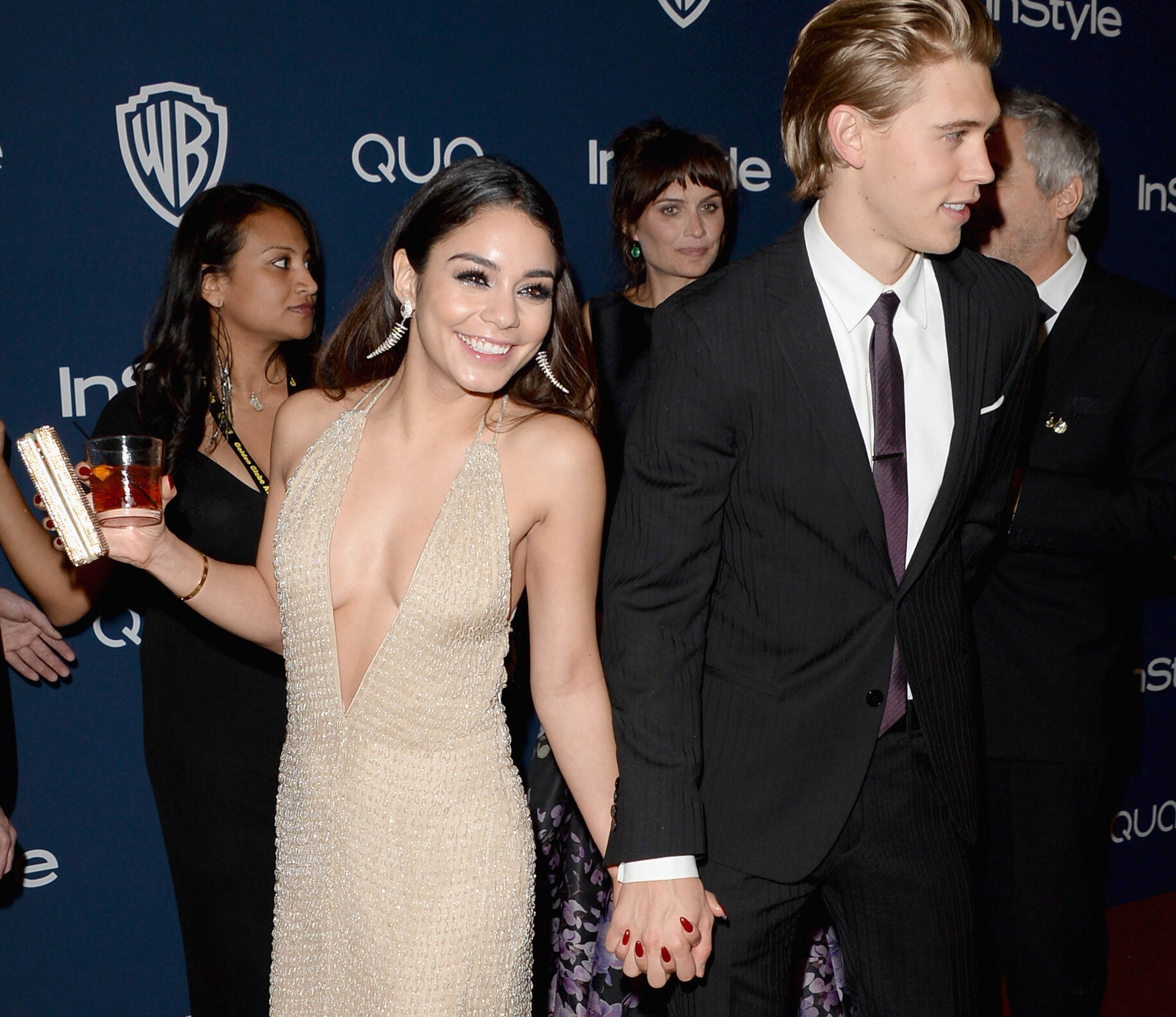 vanessa hudgens austin butler 02 getty rdy Vanessa Hudgens Fined For Public Display Of Affection
