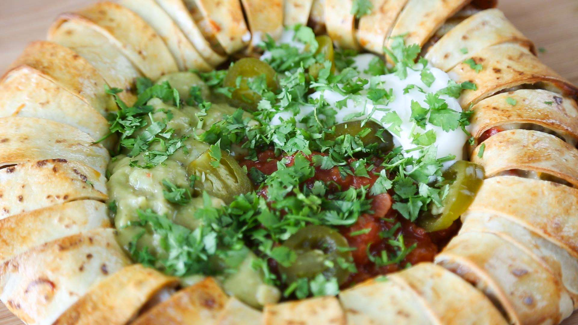 13453058 10154262058776323 1178009878 o Heres How You Make A Chilli Tortilla Ring