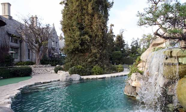 3000 1 The Playboy Mansion Has Just Been Sold For A Ridiculous Amount