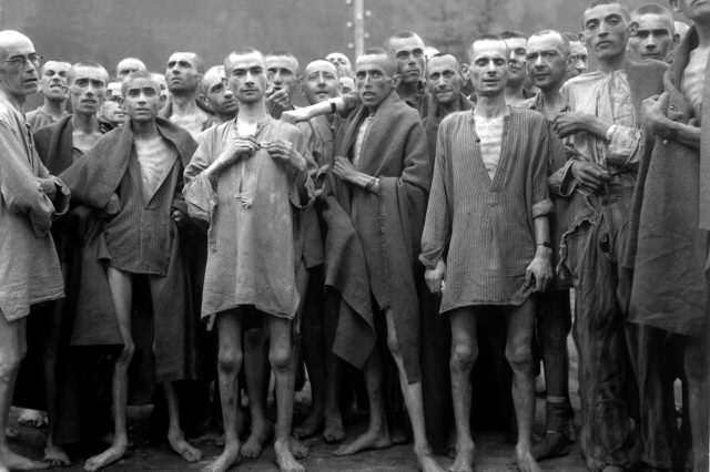 Ebensee concentration camp prisoners 1945 640x426