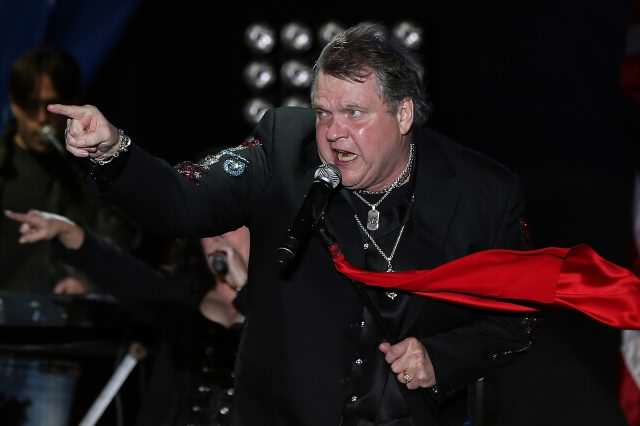 GettyImages 154761155 640x426 Rocker Meat Loaf Collapses While Performing On Stage