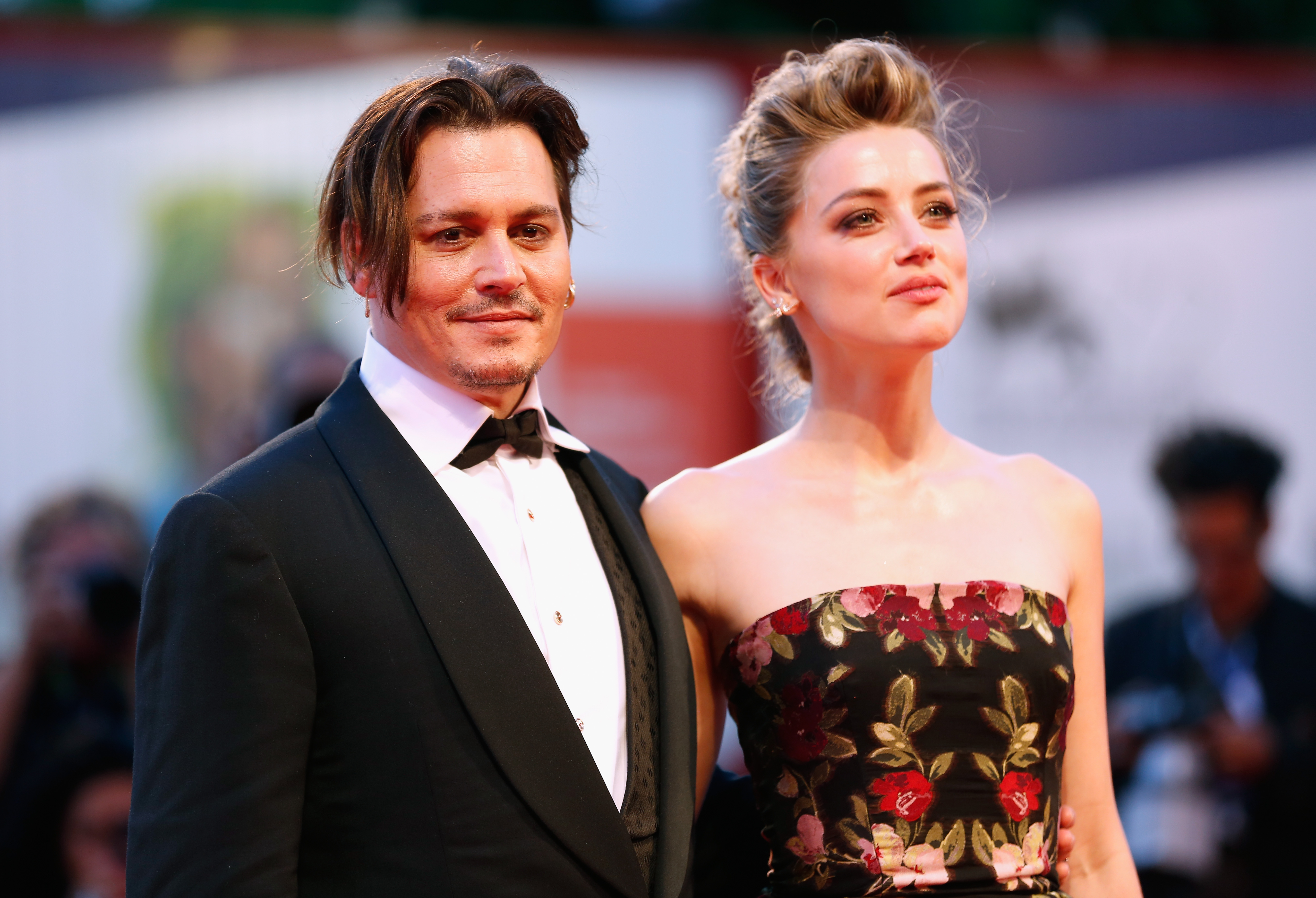 GettyImages 487016136 Revealing Texts From Amber Heard And Johnny Depps Assistant Leak