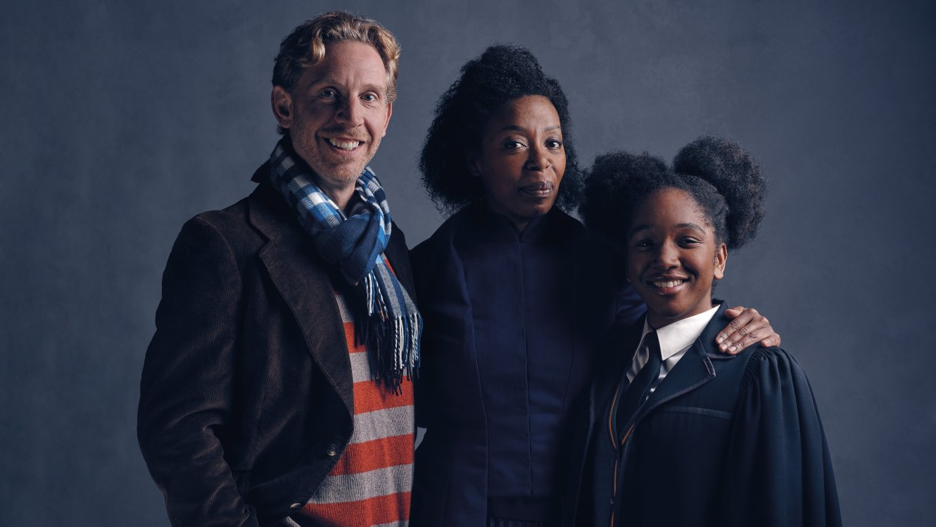 HP 20558 Weasley Granger FL Cast Photos Of Ron And Hermione In New Harry Potter Now Revealed