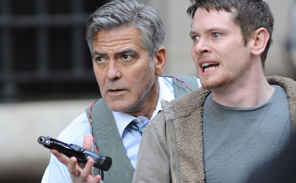 MW ED211 Money  ZG 20160113101710 1200x742 Money Monster: An Entertaining Thriller With Money On Its Mind