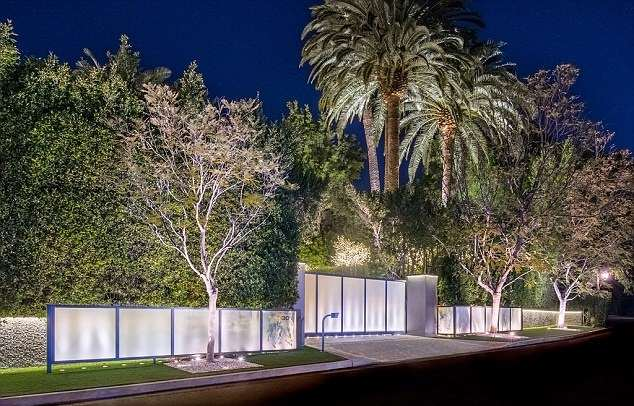 jay z house 4 A Look Inside Beyoncé And Jay Zs Incredible New $93 Million Home