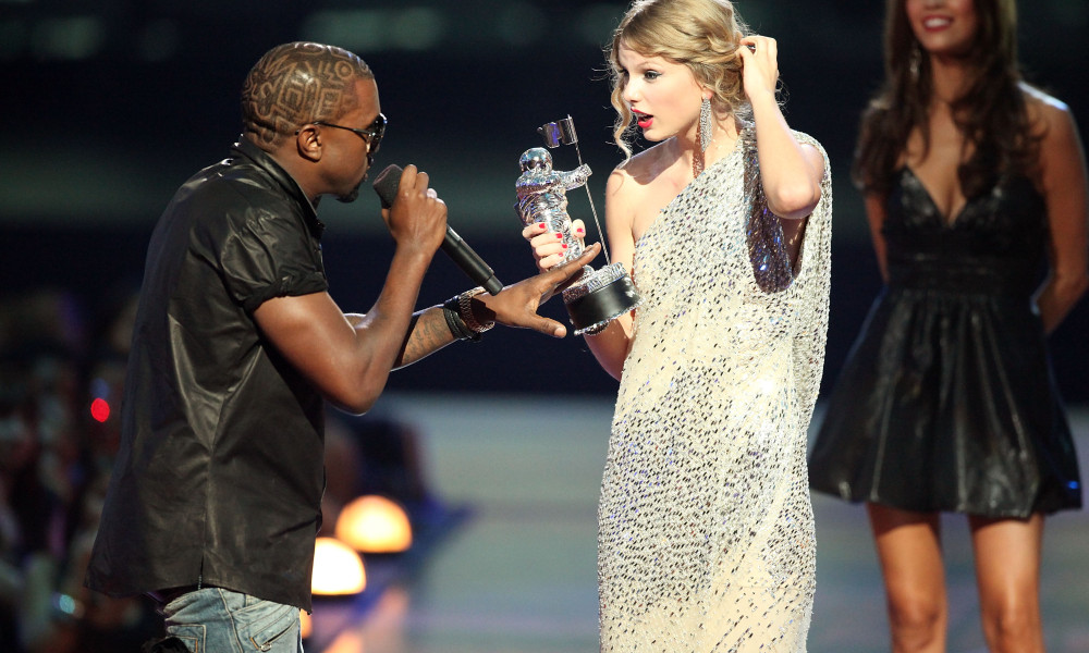 taylor kanye 1 Taylor Swift Responds To Appearing Nude In Kanye Wests Famous Video