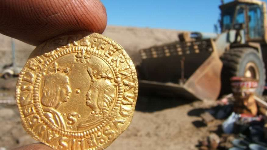wreck4 500 Year Old Shipwreck Containing Huge Fortune Found In Desert
