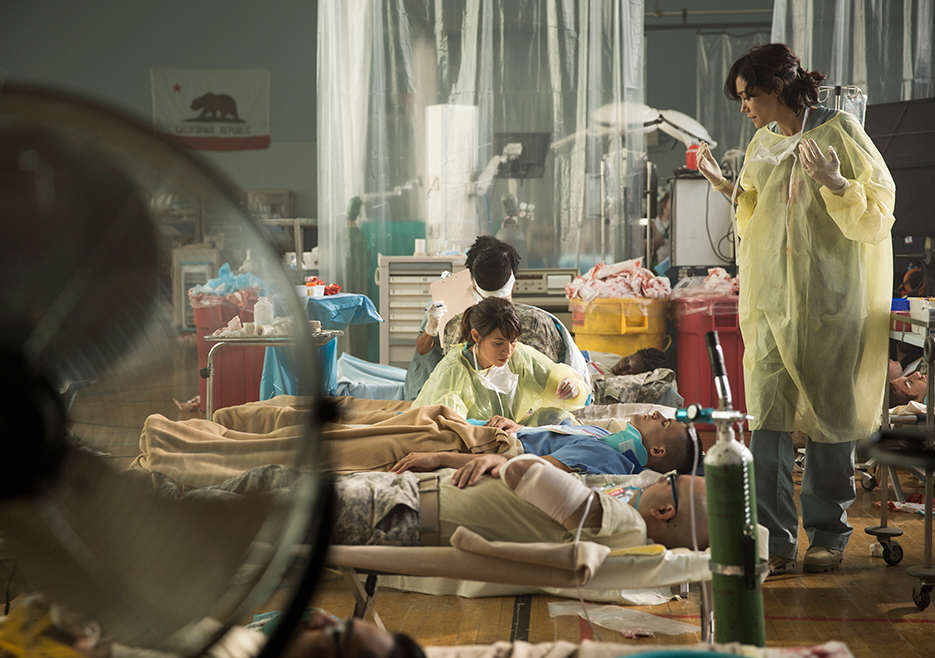 fear the walking dead episode 105 liza rodriguez 2 935 Pentagon Nurses Are Training For A Zombie Apocalypse