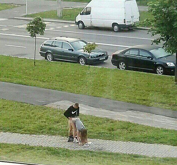 minsk2 1 Couple Dont Give A F*ck As They Have Sex In Middle Of Pavement