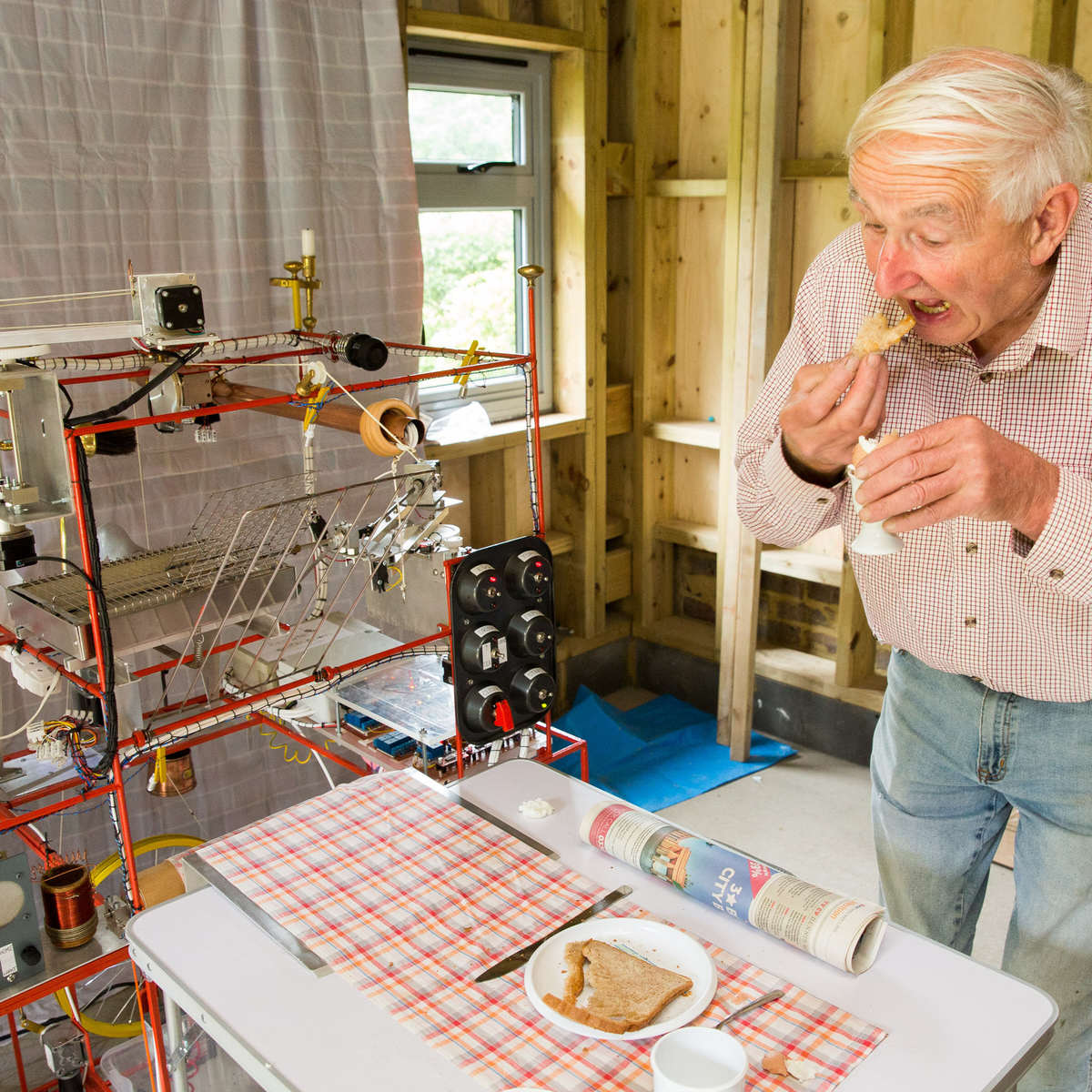 wallace1 This Real Life Version Of The Wallace And Gromit Breakfast Machine Is Incredible