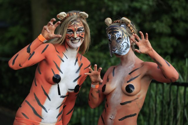 PA 28324233 640x426 These People Just Ran Naked Through London Zoo For Incredible Reason
