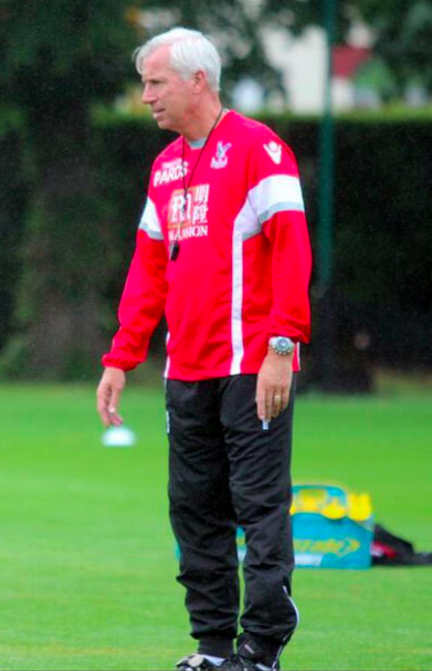 Pardew training gear Alan Pardew Is The Most Overrated Manager In Football, Heres Why