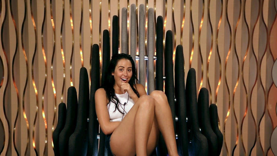 cbb marnie 1 Marnie Simpson Really Pissed People Off By Sucking Off A Banana
