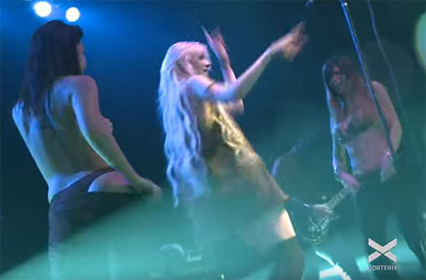 Video Shows Women Invade Stage And Strip Off During Gig girls 624130