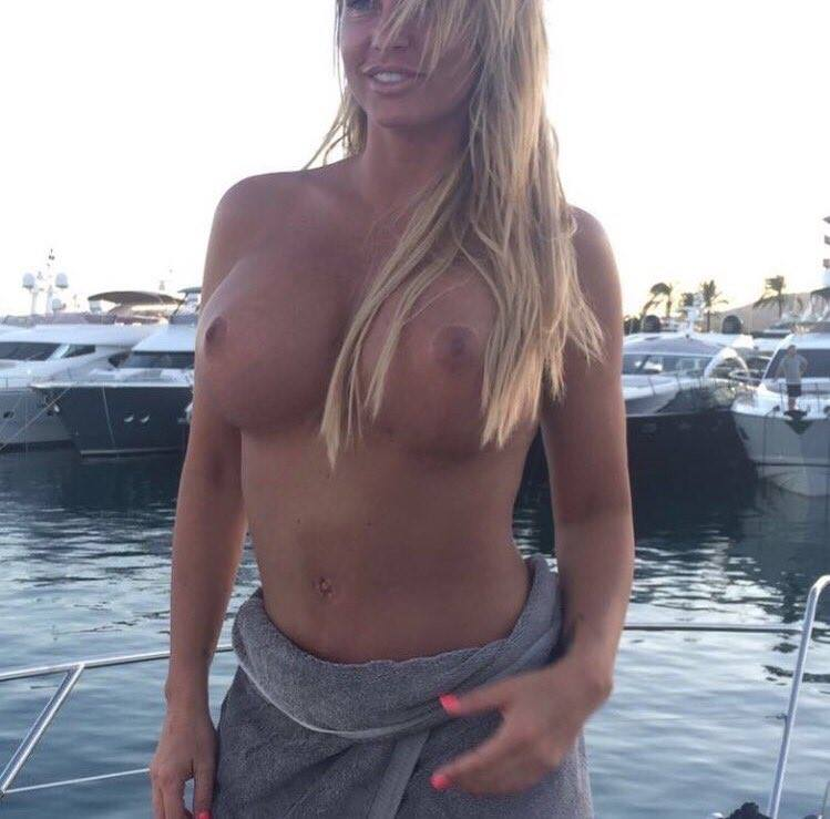 price1 Katie Price Accidentally Frees The Nipple On Instagram After Latest Breast Surgery